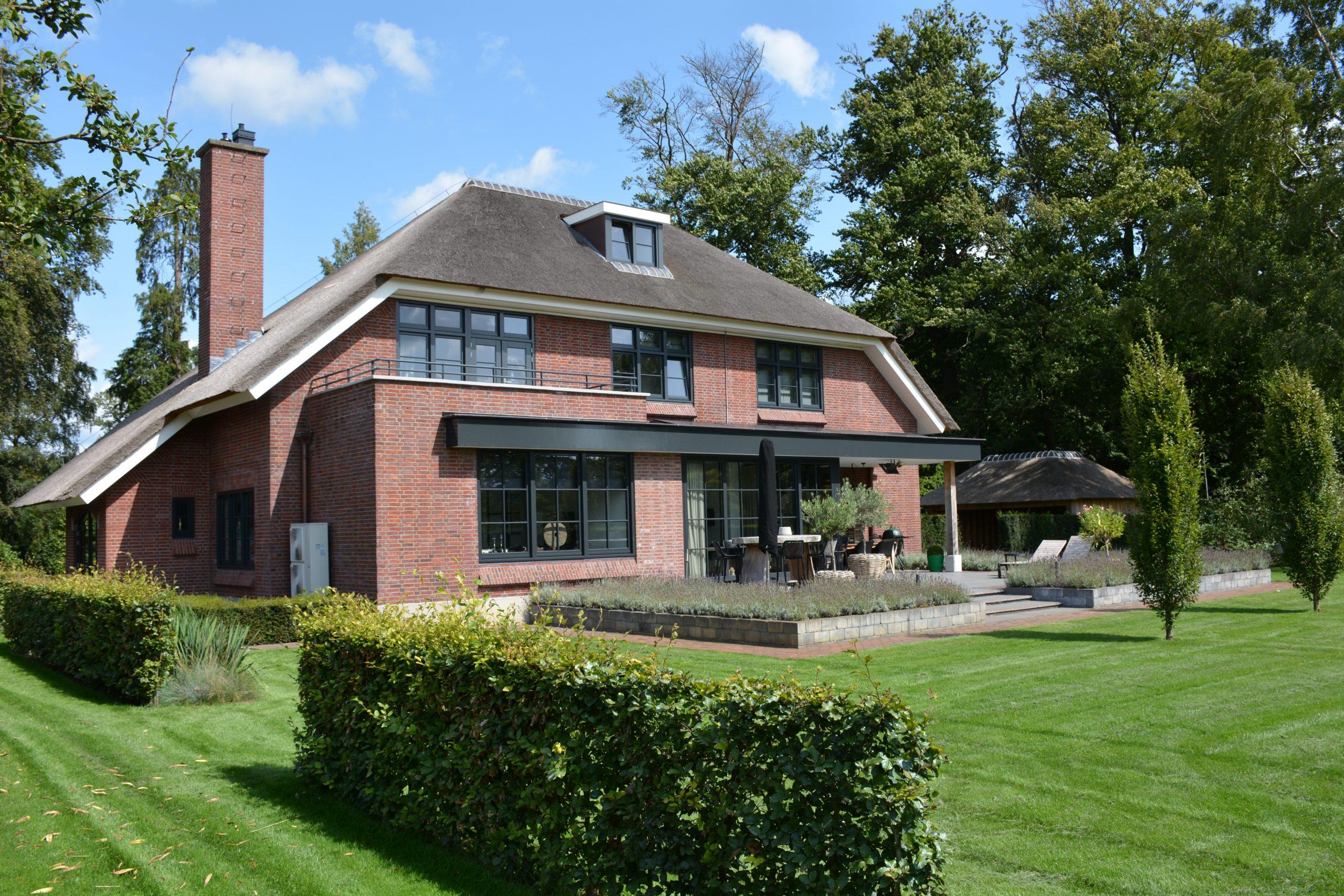 Villa woningbouw achterkant huis